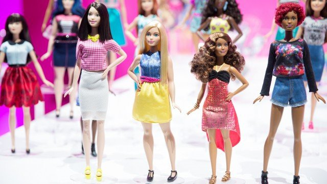 RT @mashable: An up-close look at Barbie's new curves and complexions: https://t.co/2hgiUYOoHO https://t.co/LIzXQMnq9w
