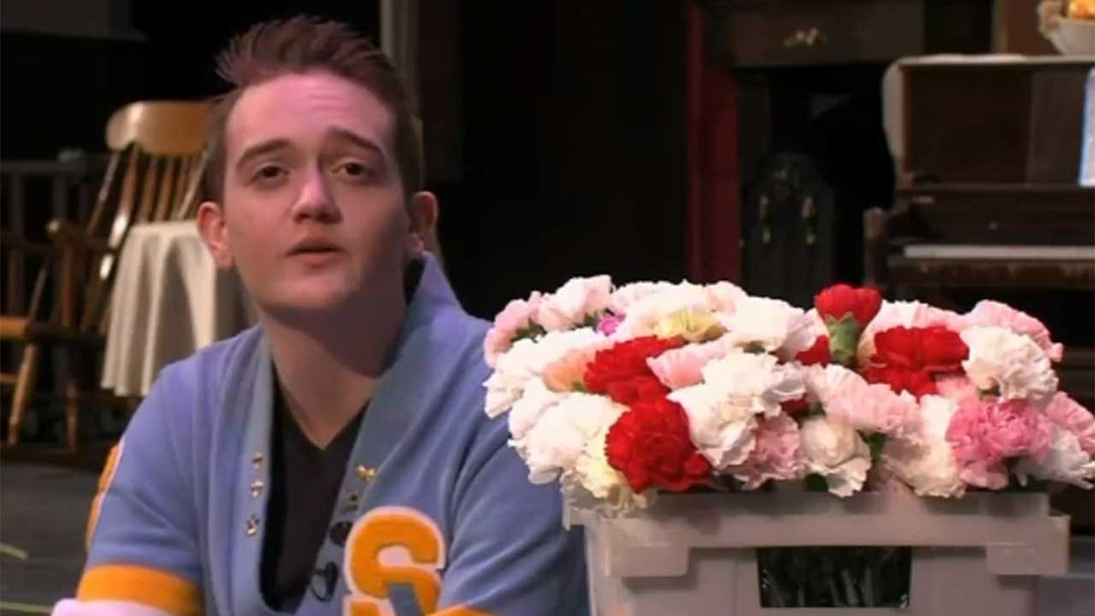 Teen buys flowers for every girl at his high school