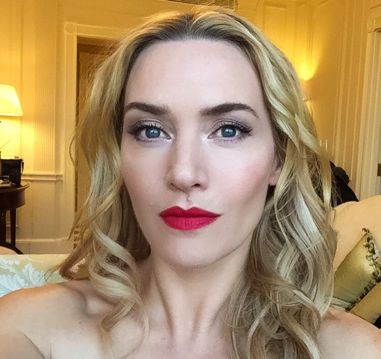 A sneak peek of the radiant Kate Winslet ahead of tonight's @BAFTA awards. Makeup by @Lisa_Eldridge for Lancôme! https://t.co/jSc9R9QTZ4
