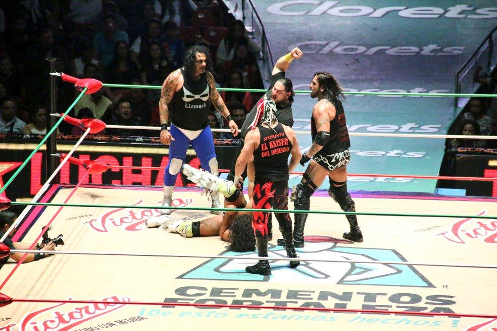 CMLL – Una mirada semanal al CMLL (del 11 al 17 de febrero de 2016) - Mephisto quiere el campeonato de Máscara Dorada, Felino y Súper Crazy en candente rivalidad y mucho más... 5