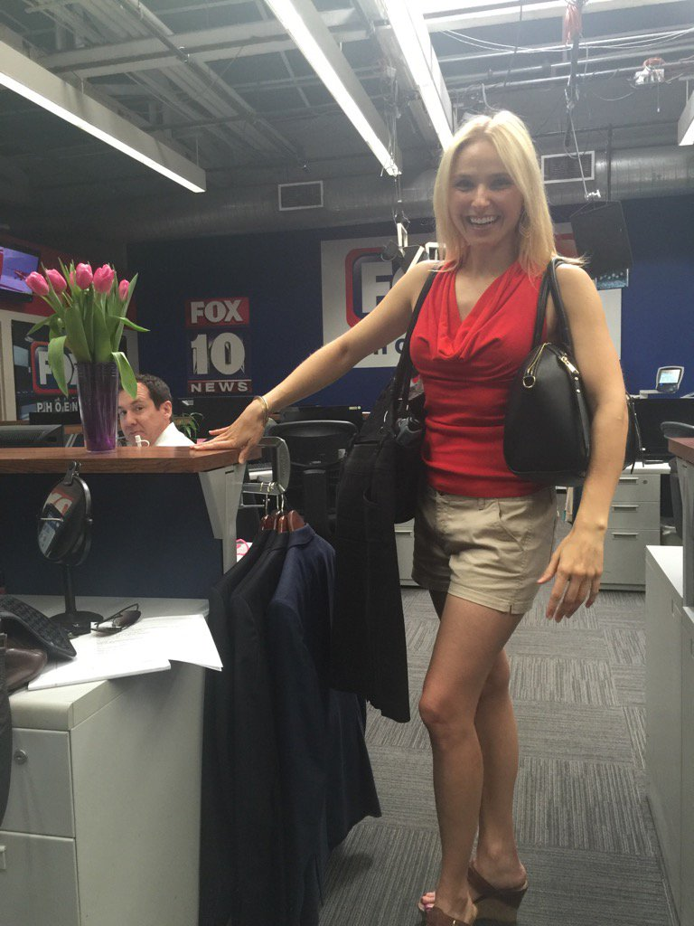 Welcome back @KristySFox10 !! We missed you so much! No more Snowboarding for you!!  ️️️️️️