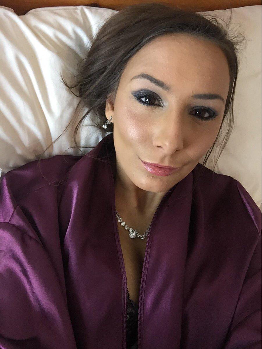Mariah Leonne
