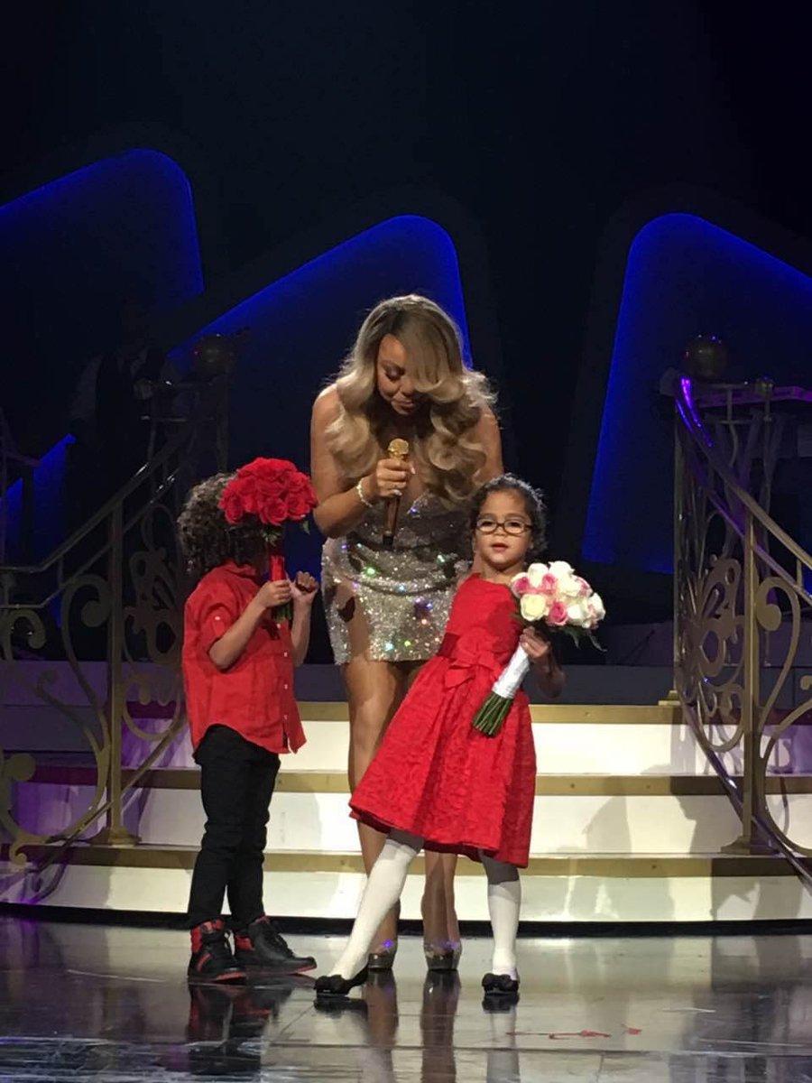 Mariah en résidence à Las Vegas - Page 4 CbO68SdUAAADYKx