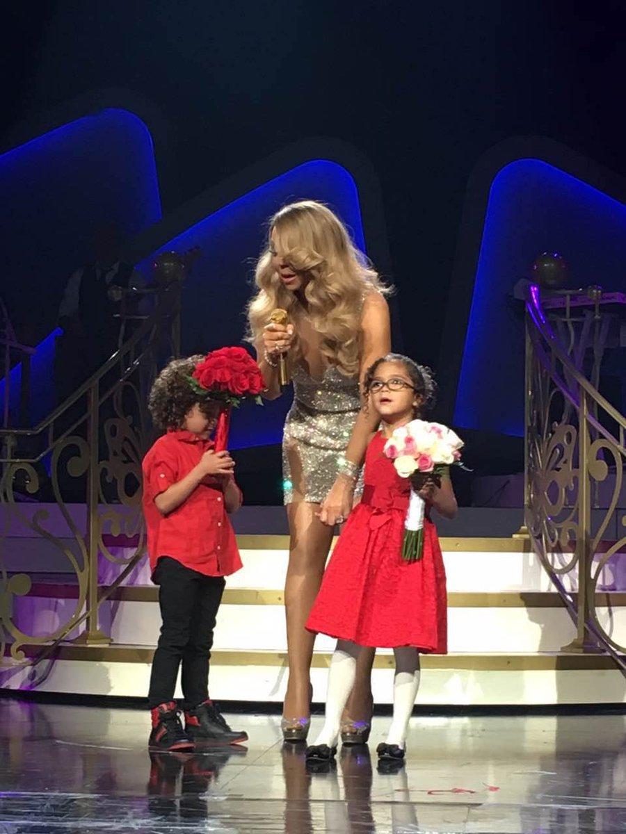 Mariah en résidence à Las Vegas - Page 4 CbO68T6UUAAqdzT