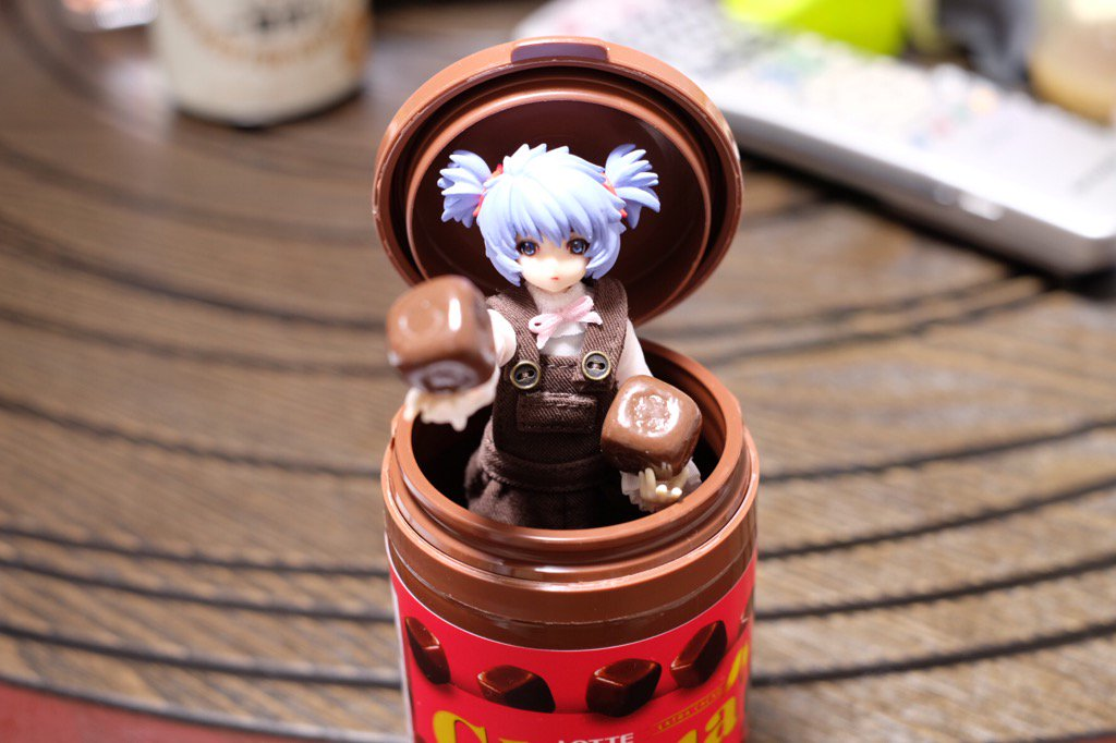 バレンタインにチョコレート自動供給マシーンと化した子 #武装神姫 https://t.co/793Hqj3Hyy