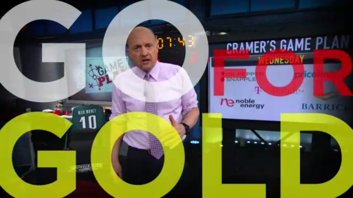 @MadMoneyOnCNBC's  @JimCramer favors #gold #bullion https://t.co/xWTuMreW3j https://t.co/mBVGUxKRRK https://t.co/6Sb60wKQNH