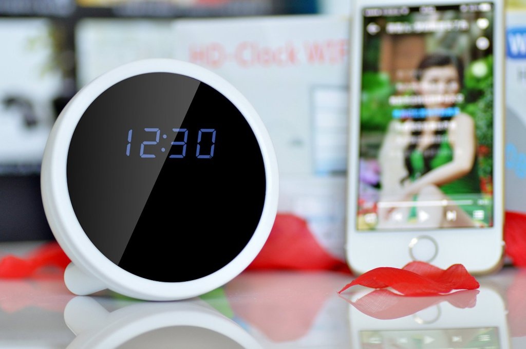 Android & Apple IOS Wifi Mini Spy Clock with MotionDetection https://t.co/Virx1uNNsN https://t.co/RdhLEIEVpj