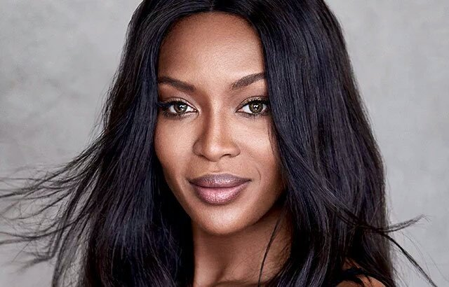 Remove makeup w/almond oil, and you'll never age. Naomi says. https://t.co/Qc52j6lM4B https://t.co/Rr9iTWbpIh