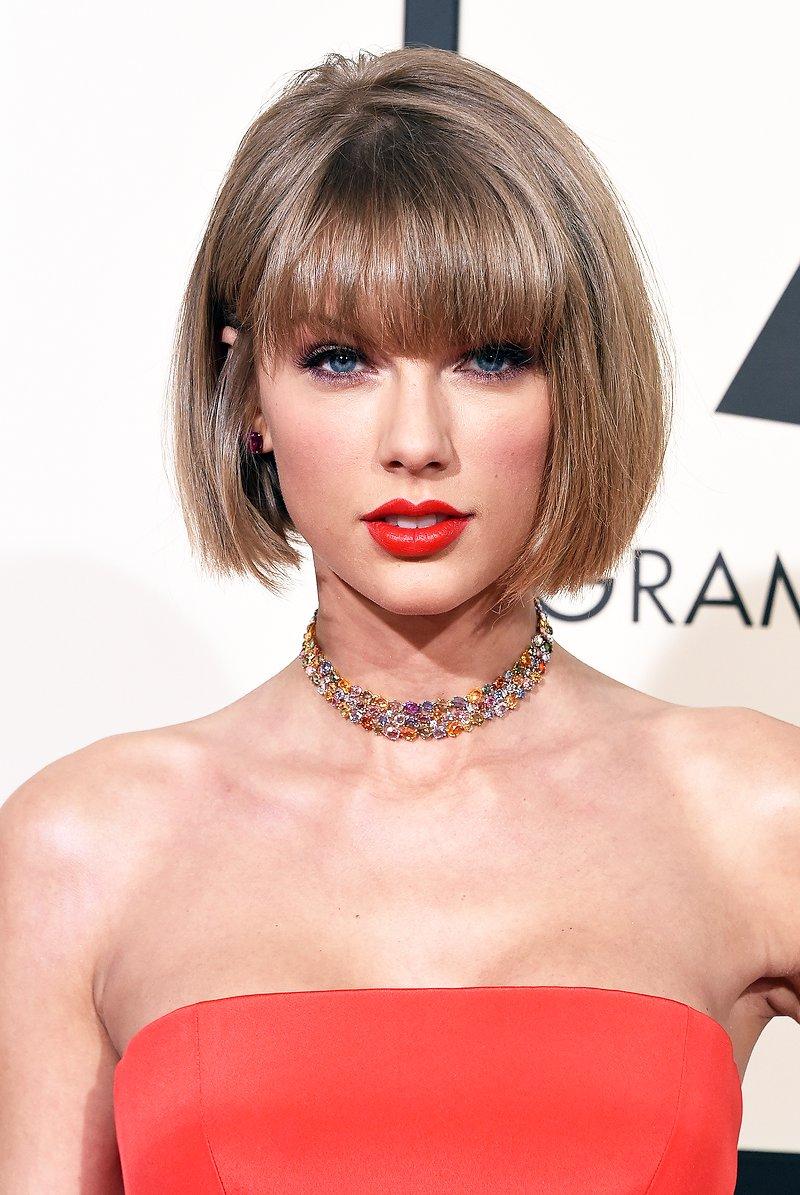 Premios y Nominaciones [Grammys: Primer mujer en la historia con 2 Album of The Year] - Página 33 CbSxxp6WwAAVKxl
