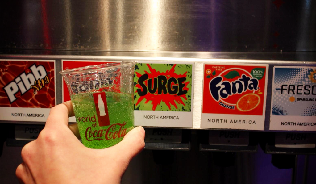 Cheers! @SURGE has made a comeback and it's now available on fountain at #WorldofCocaCola! https://t.co/5t6dyhTgai