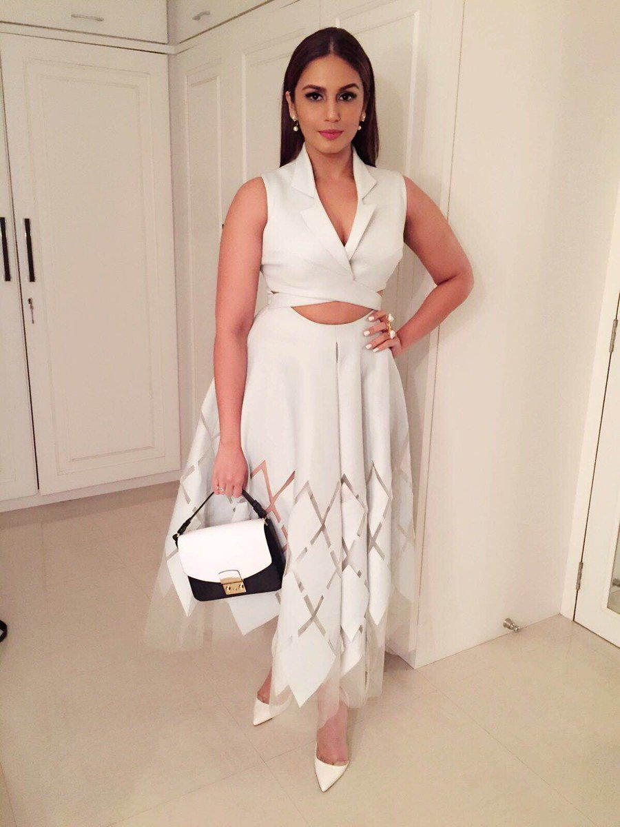Hello India On Twitter At Humasqureshi Spotted Carrying The At Furla