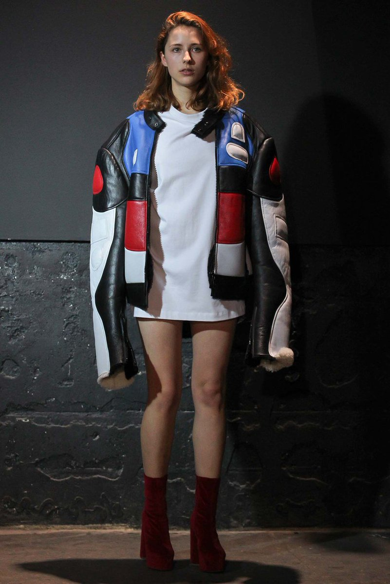 the baddest gzb on twitter style cl is wearing oversized color block leather jacket from vetements fallwinter 2015 ready to wear collection - Color Block Vetement