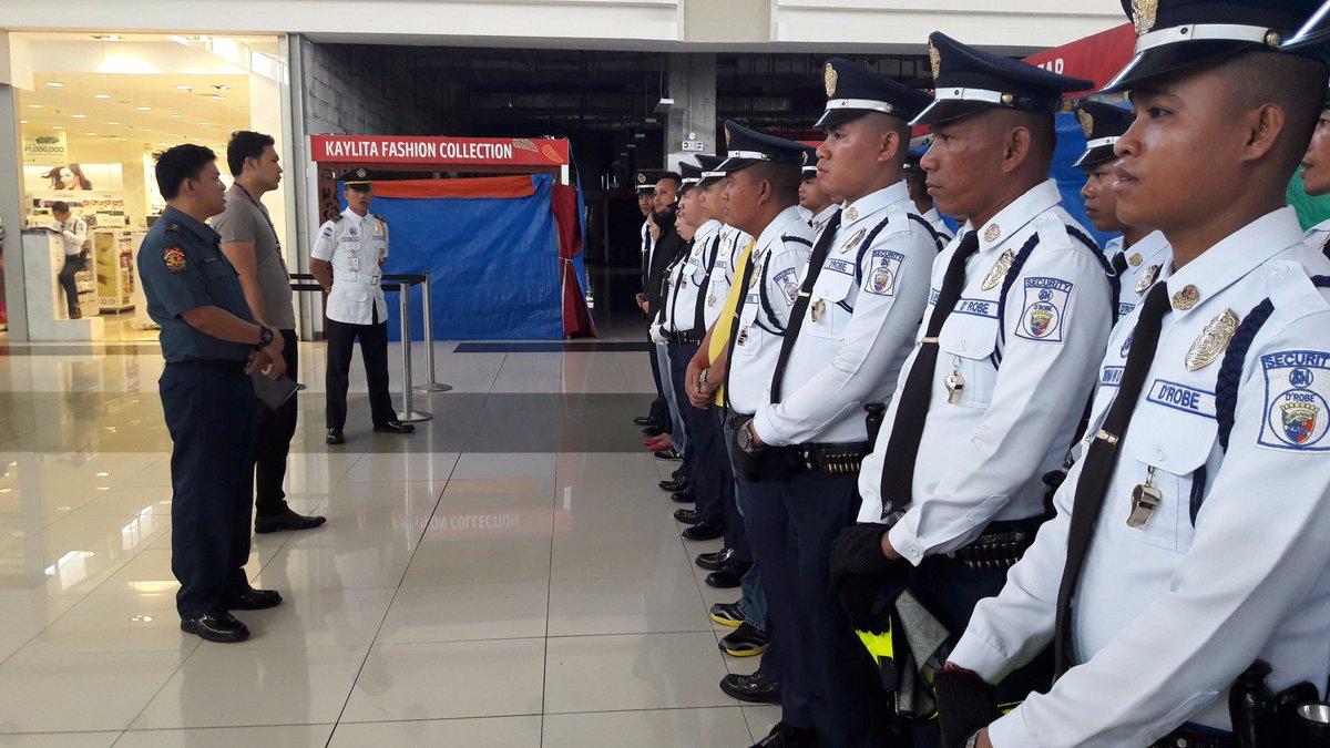 mall security gaurd