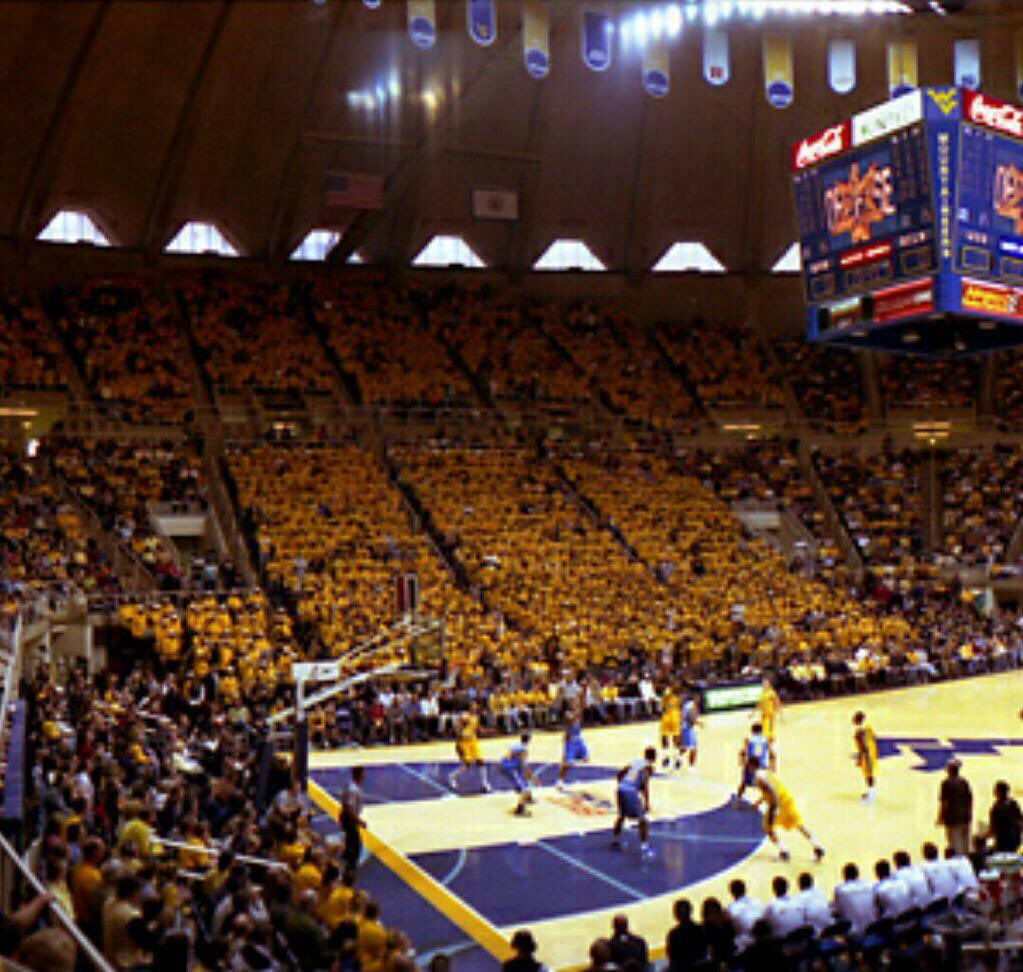 If Huggins wants to complain about WVU students, WVU students need to complain about seating. Go back to this, #WVU https://t.co/w2NHjt6WFo