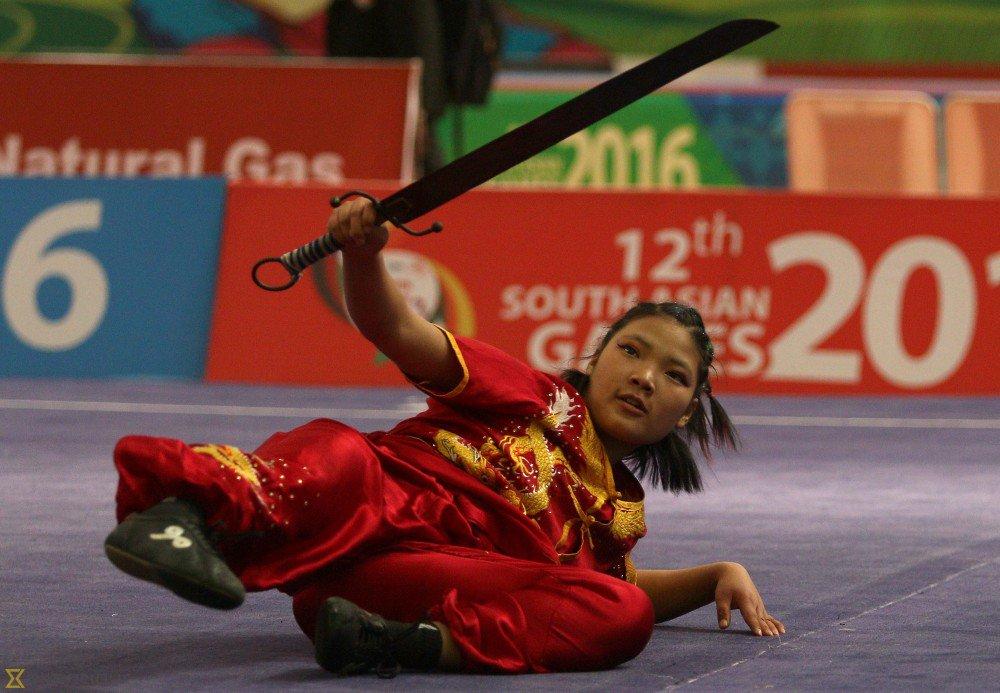 स्वर्ण पदक पाउने खेलाडीमाथि भेदभाव