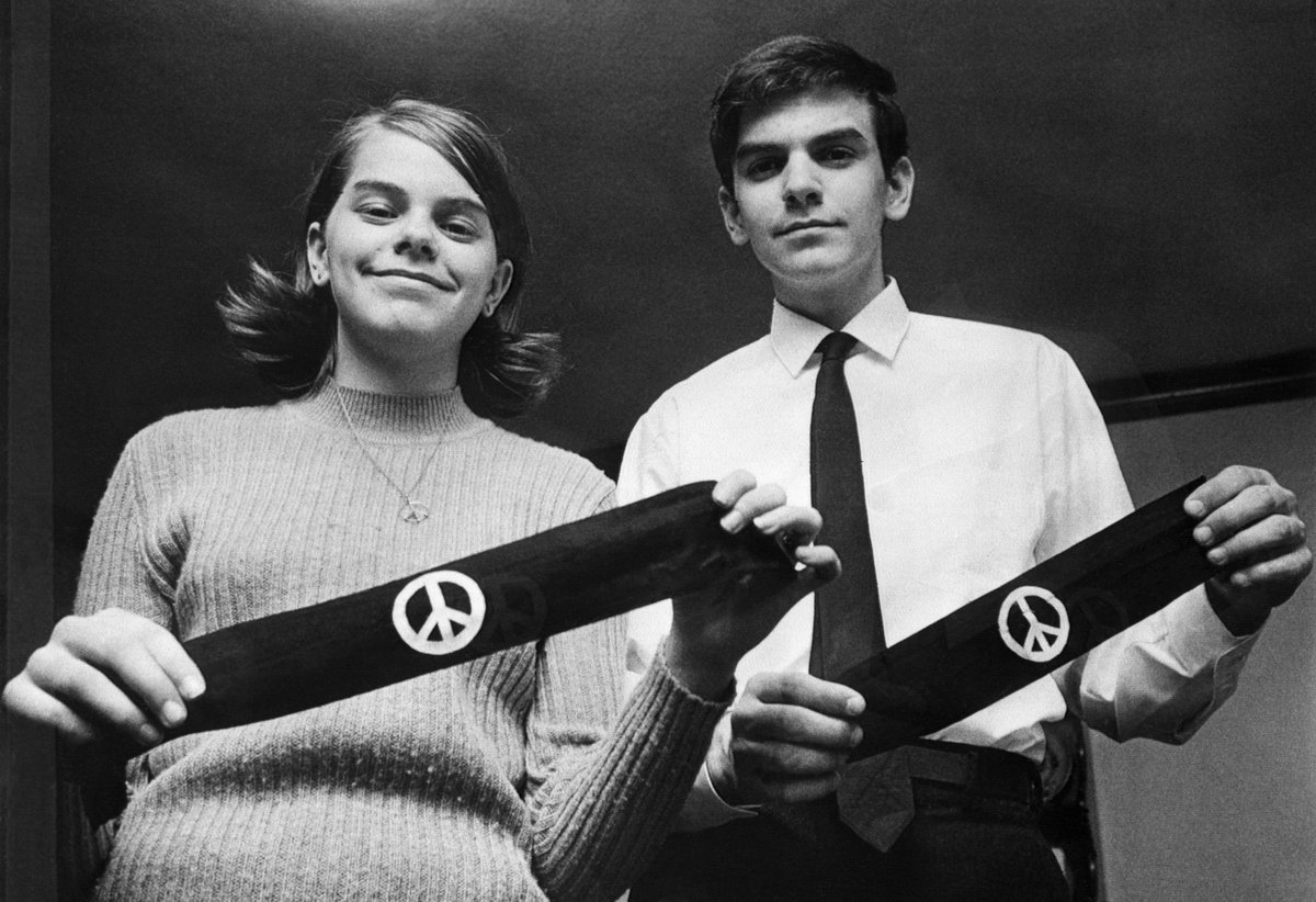 Happy 47th #tinkerversary! The landmark case that bolstered students' rights in schools: https://t.co/xJAwmcz9YS https://t.co/GBJBwA7bGa