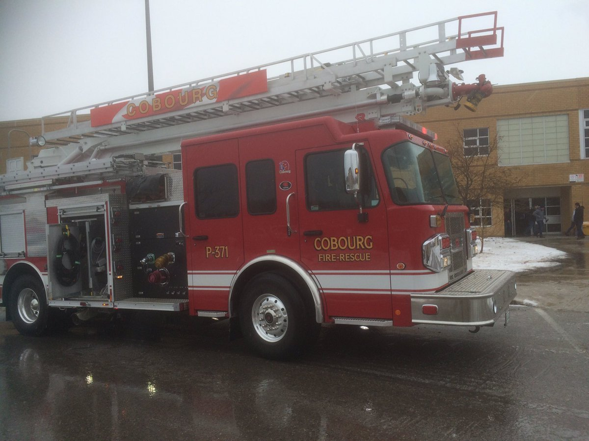 #Cobourg Fire at St, Mary for a fire alarm - not many people in the school because it is a snow day https://t.co/2Rys1aucs6