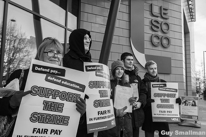 Today's #FEstrike24feb is looking pretty damn solid across London, well done all. #FairPayNow @unisontweets @ucu https://t.co/qGj8hYg8aF