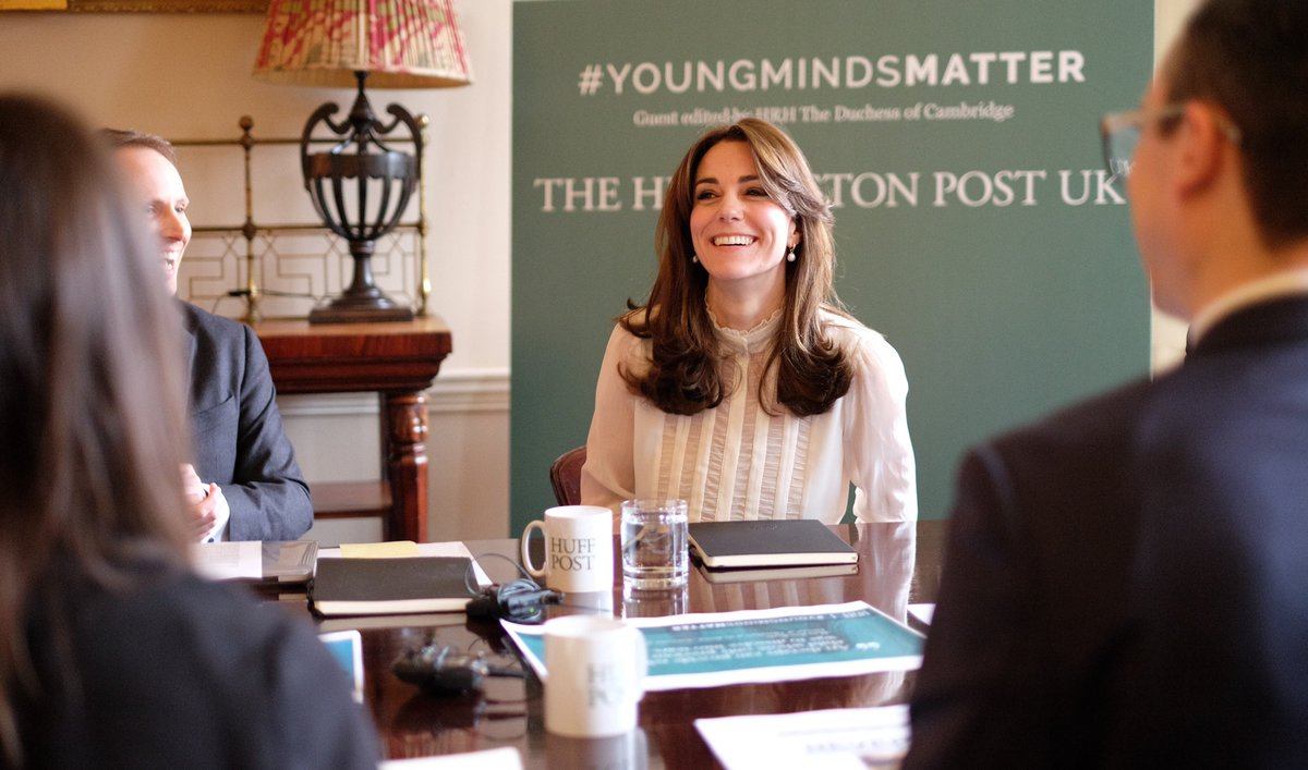 Kate Middleton editor! dans NEWS CbaLvEBW0AEkMxZ