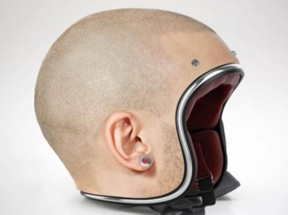 In moto col casco? Negli USA non è importante
