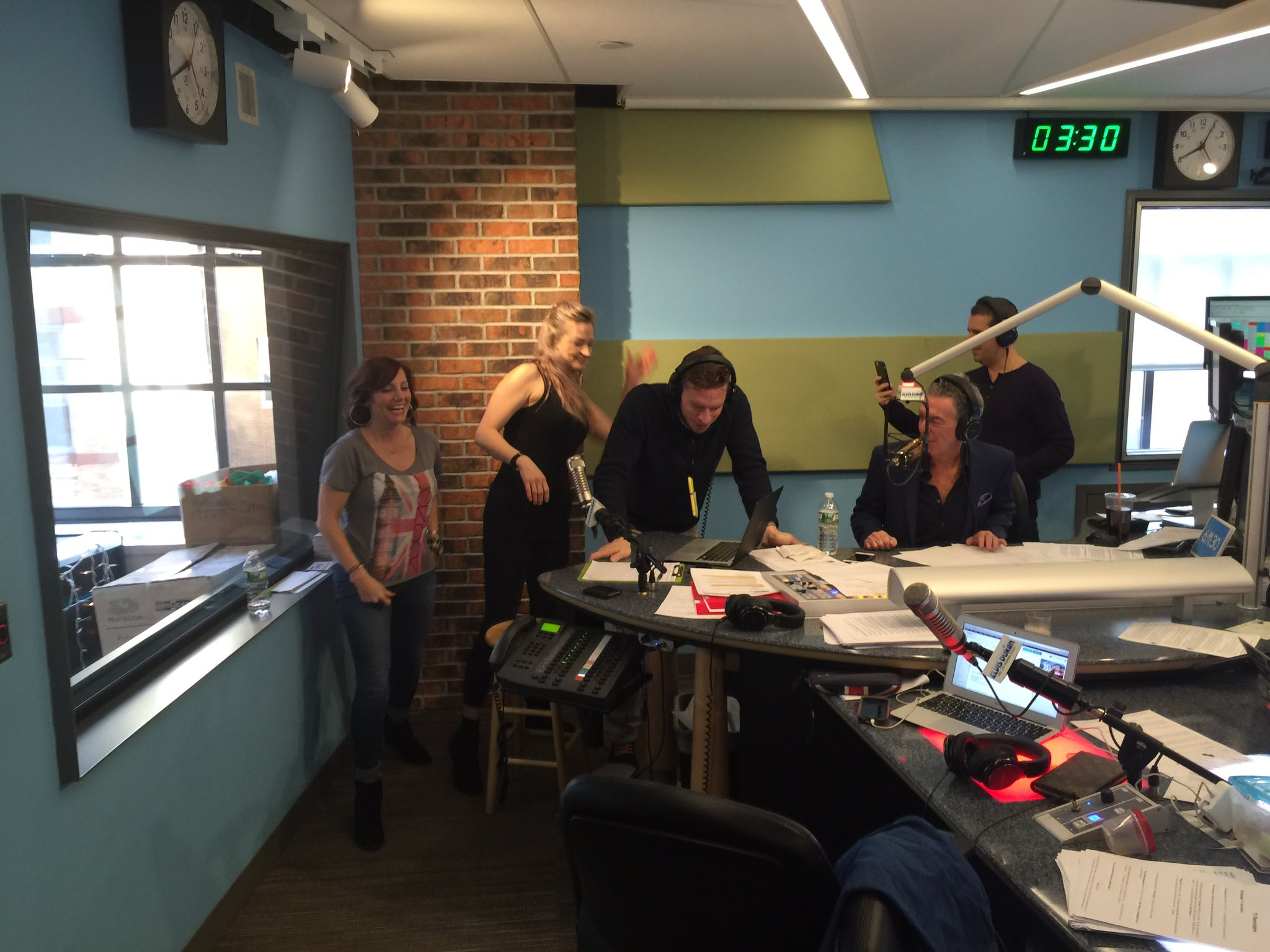 Blue apron elvis duran - Elvis Duran On Twitter Spank A Producer Day Or As We Like To Call It Around Here Wednesday Https T Co 1nipdkahxv