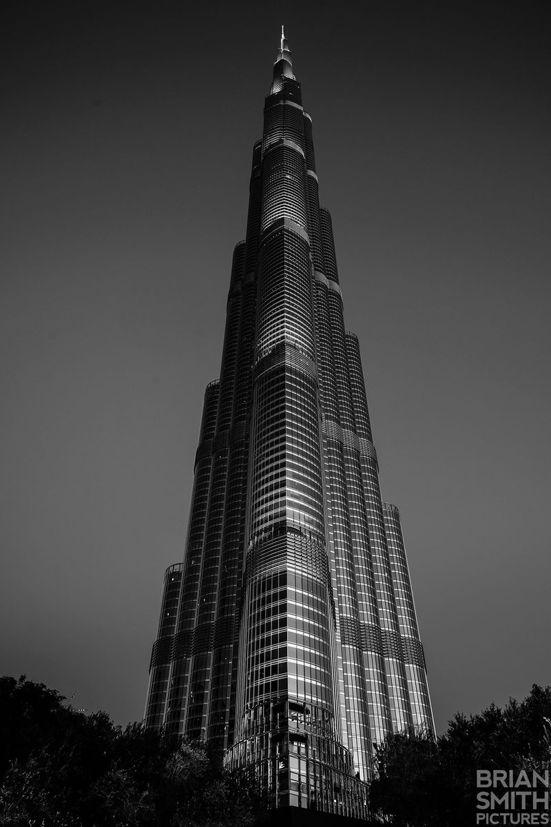 Burj Khalifa photographed with Sony's FE 24-70mm F2.8 G Master lens. https://t.co/DVQAlwJK88 https://t.co/tqga1WHl6O