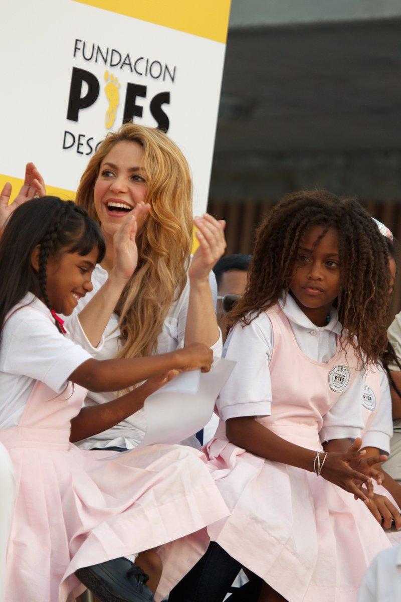.@Shakira, luchadora a favor de la educación, clave para nuestro programa @educaixa en Colombia @fpiesdescalzos https://t.co/0rHzQ1zVpk