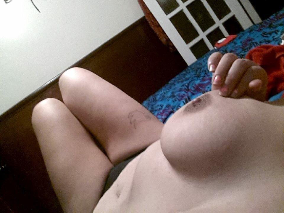Nude Selfie 3608