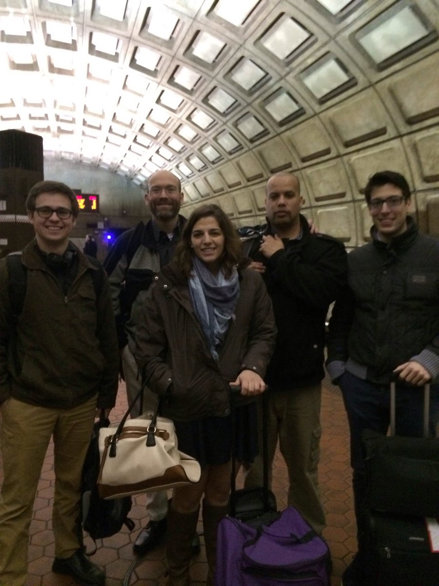 @RoanokeCollege #roanokeecon made it to DC and are jumping on the metro! #RCdoesDC https://t.co/SpvOOzp5eY