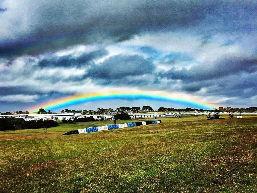 Test MotoGP Phillip Island 2016 CbdCeClW0AAp7NO