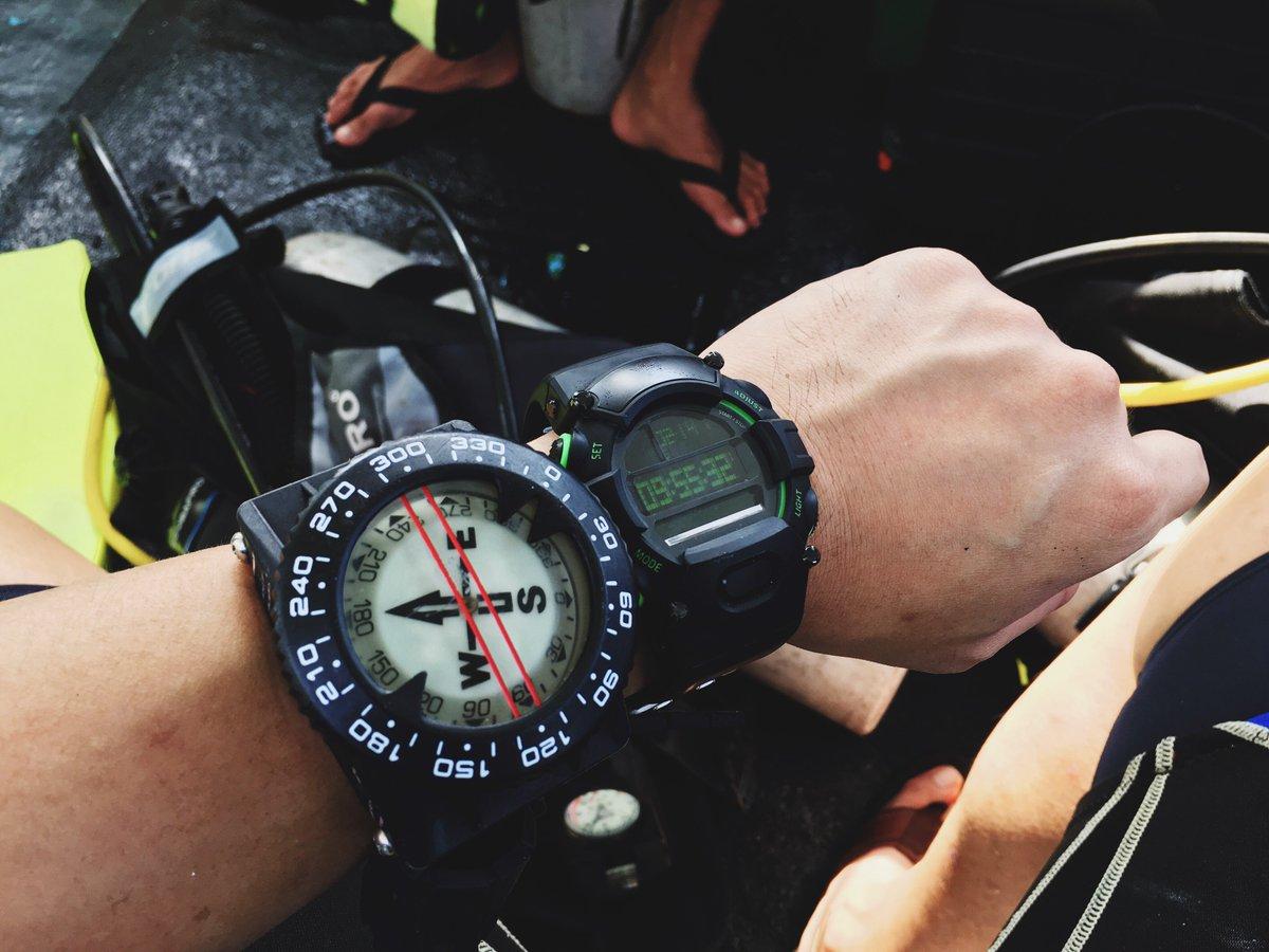 R Z On Twitter The Razer Nabu Watch Making A Splash At Dive Site In Indonesia Livesmarter Razerafk Https Tco Kn7cfstqdv