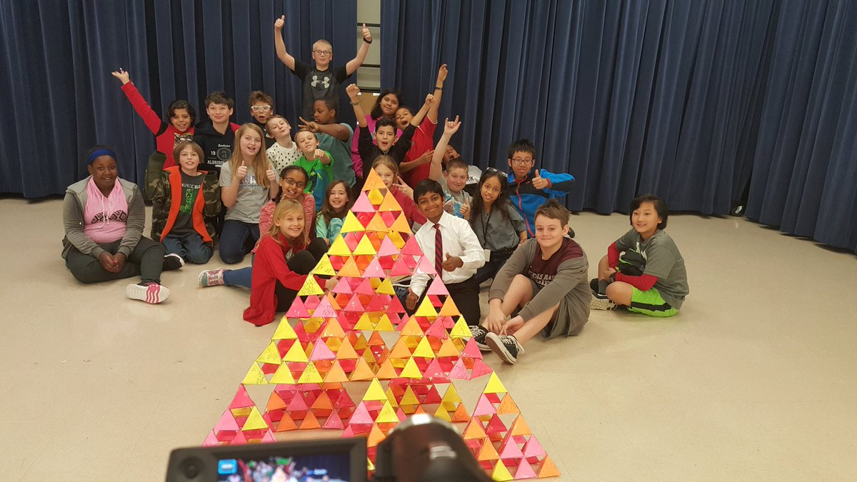 Ss built their sierpinski triangle Next step editing video 4 time elapse movie with narration #aeslearns #pisdDLDay https://t.co/ChMsoSiqzl