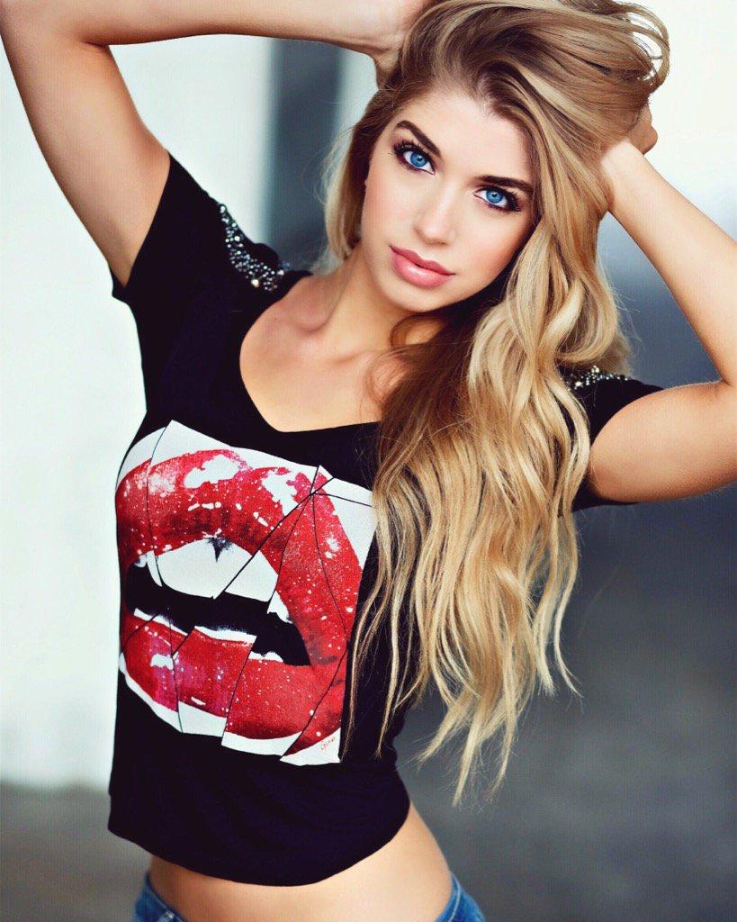 "Allie Deberry Hot allie deberry beede on twitter: ""lips like sugah"