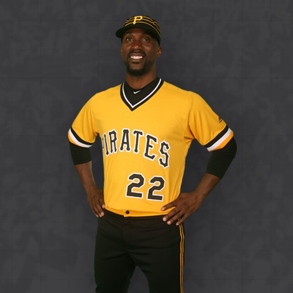 #Pirates announce that this will be their new uniform for Sunday home games. https://t.co/L0FXldBIU8