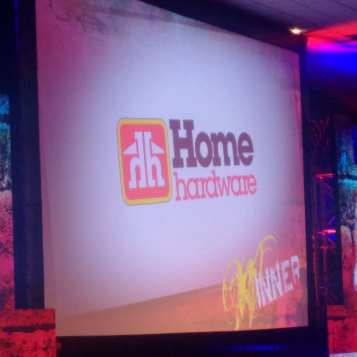 Our Business of the Year (over 50 employees) Award winner is...@home_hardware! Well deserved! #BEAgala https://t.co/6EZas3o5vY