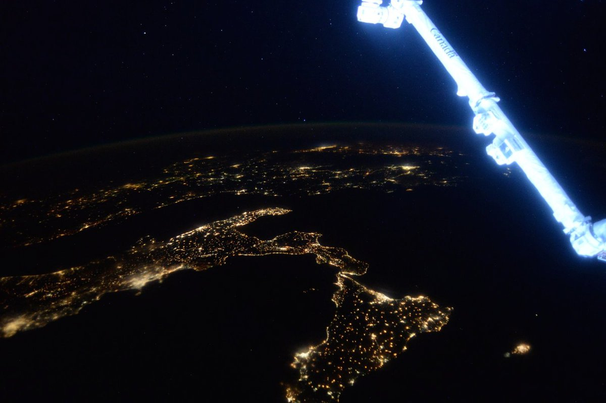 Day 328. Twilight and #Italy to boot! #BuonaNotte #GoodNight from @space_station! #YearInSpace