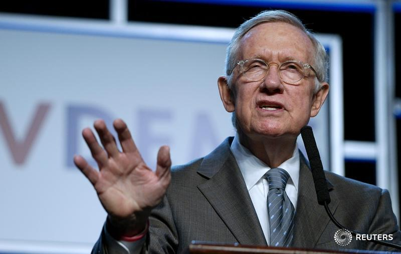 #POTUS to name #Scalia replacement in just over three weeks: Senator #HarryReid https://t.co/rBeyNIOr20 https://t.co/vgsGMsgrby