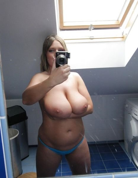 Nude Selfie 3034