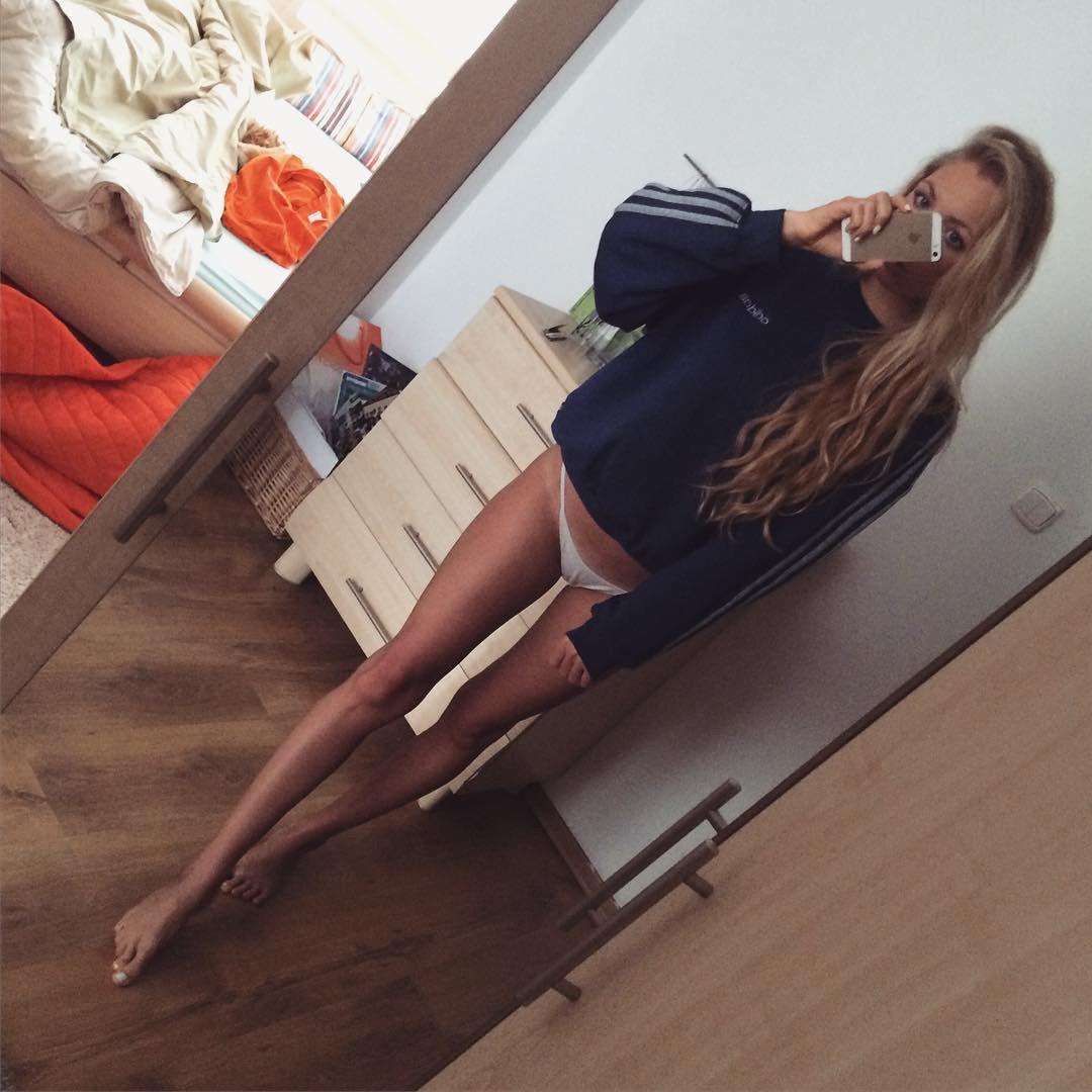 Nude Selfie 3014