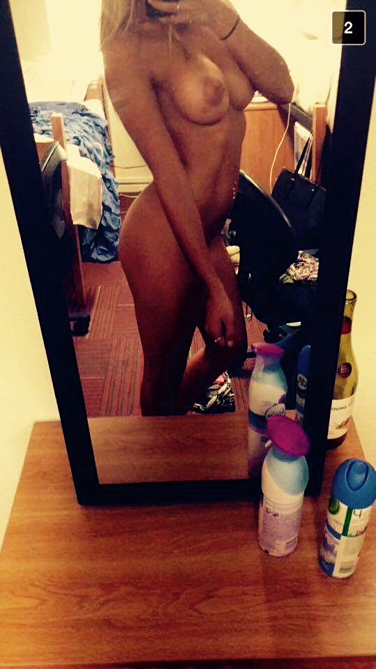 Nude Selfie 2757