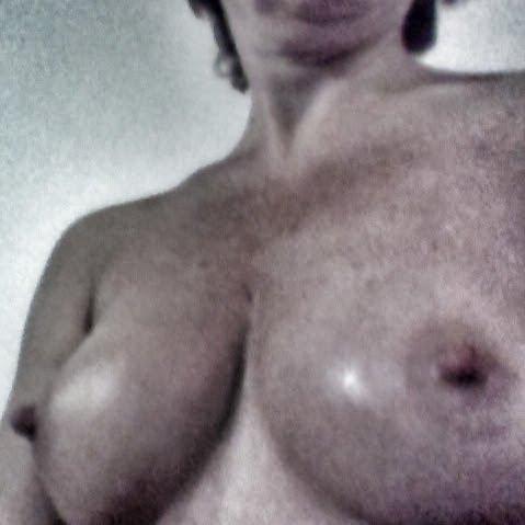 Nude Selfie 1507