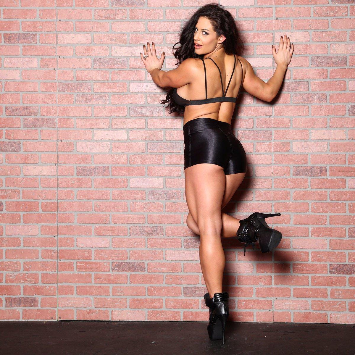 Twitter Celeste Bonin (WWE Kaitlyn)