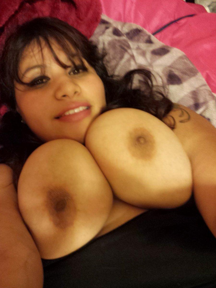 Nude Selfie 889