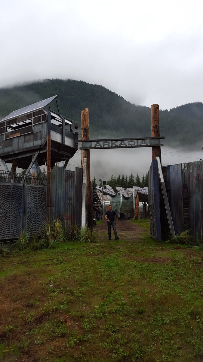 Arkadia looked like a dream. Vancouver what did we do to deserve you? Ep 305 #The100 https://t.co/eN3BQi1aBb