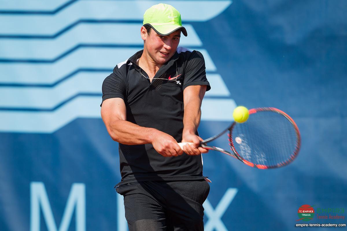артем дубривный теннис фото человек