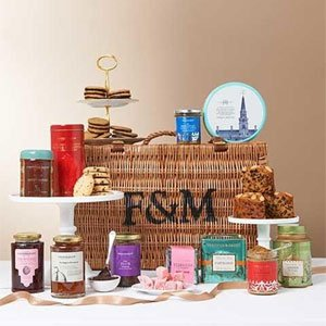 Pl Rt This is your chance to #win fab prizes in Mother's Day Giveaway inc hamper @Fortnums https://t.co/XL1oRQHdzO https://t.co/Qedzuz1dNk