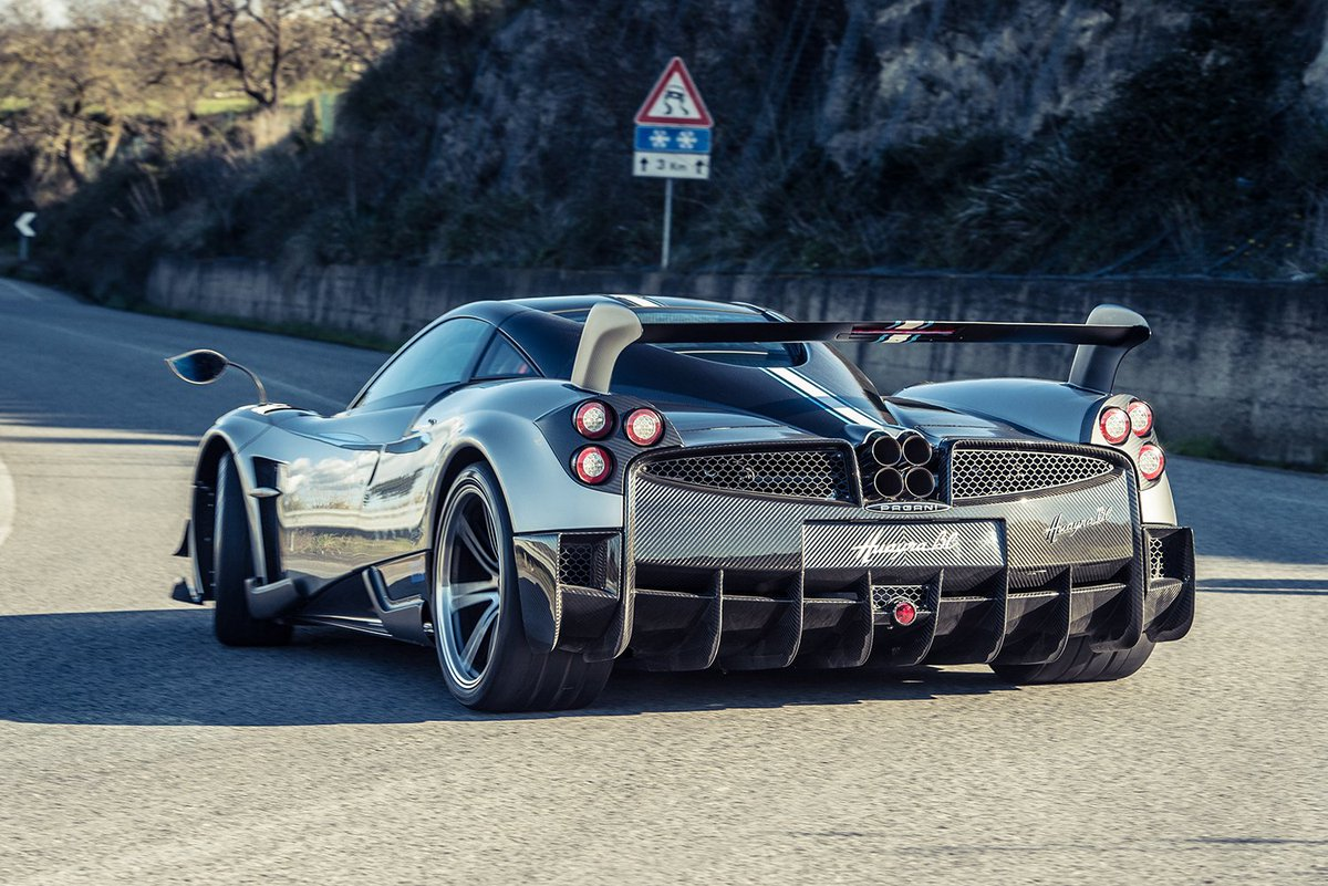 Spent some time with the Pagani Huayra BC a few weeks ago. More wingy, 789bhp, €2.3m and all 20 are sold https://t.co/aQC5AXZ6QR