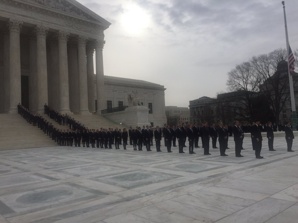 Scalia's former clerks -- lined up in front of the court https://t.co/j6iotIJTil