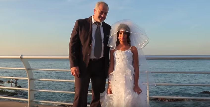 Une caméra cachée dénonce le mariage des fillettes au #Liban https://t.co/o9lV9GIIGh
