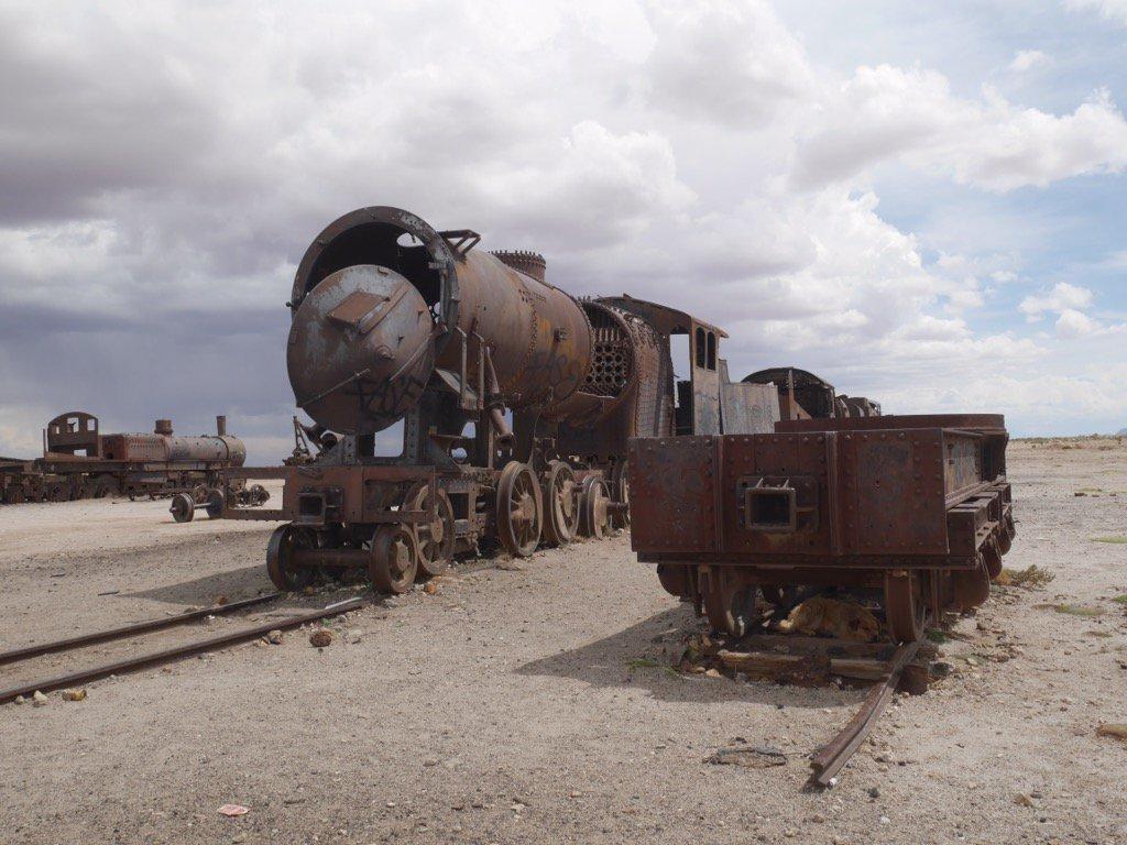 ボリビアの列車の墓場。 こちらもかなりよかった!!古い列車がたくさん。 興奮しすぎて1人大盛り上がり! https://t.co/EsxDZhW8eO